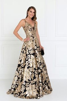 Extravagant prom and evening gown gls 1511 Simply Fab Dress Dresses 2018 Shine like a star in this extravagant celebrity inspired black evening gown with gold floral sequins. A glamorous prom dress adorn with sparkly all over gold se Dresses Elegant, Stunning Dresses, Beautiful Gowns, Evening Gowns Couture, Evening Dresses, Girls Dresses, Prom Dresses, Formal Dresses, Dress Prom