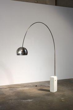Flos Arco Floor Lamp by Achille Castiglioni Curved Floor Lamp, Arco Floor Lamp, Floor Lamps, Atelier Theme, Modern Lighting Design, Contemporary Decor, Decoration, Light Bulb, Flooring