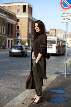 On the Street….Beige & Brown, Rome « The Sartorialist The Sartorialist, Rome Street Style, Business Fashion, Business Style, Photo Colour, Look Chic, Minimal Fashion, European Fashion, Autumn Winter Fashion