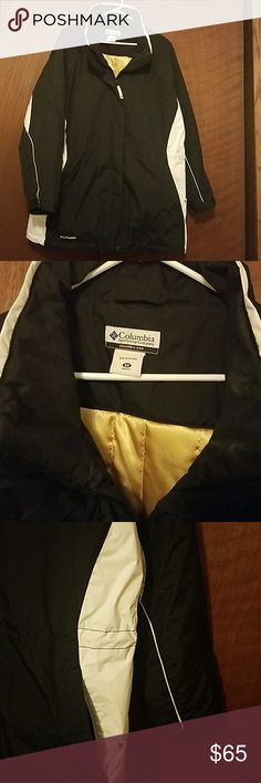 Women's Columbia winter coat Super warm Columbia winter coat! EUC! If you have to deal with the winter do it in this coat because you will stay nice and warm and dry. Columbia Jackets & Coats