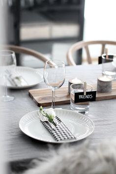 Table setting friends Stylizimo