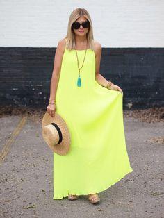 http://www.suburbanfauxpas.com/2015/07/choies-neon-dress.html?utm_source=feedburner