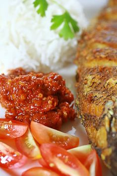 Fried Fish Sambal Terasi The Effective Pictures We Offer You About frying fish with bread crumbs A quality picture can tell you many things. You can find the most beautiful pictures that can be presen Veggie Recipes, Asian Recipes, Gourmet Recipes, Cooking Recipes, Healthy Recipes, Ethnic Recipes, Veggie Food, Cooking Tips, Broccoli Risotto Recipe