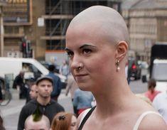 Shaved Head Women, Shaved Heads, Bald Women, Short Haircuts, Shaving, Hair Cuts, Hair Beauty, Female, Celebrities
