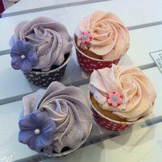 Fika fika :) #cupcake #fika #dessert #snack #promenad #sol #yummy #göteborg #linné