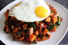 Loaded Paleo Breakfast Hash | Lexiscleankitchen.com