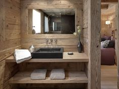 Modern and Masculine Cabin or Lodge Bathroom, Location Chalet 69251 La Clusaz Plus Chalet Design, Chalet Chic, Chalet Style, Chalet Interior, Contemporary Home Furniture, Rustic Bathroom Designs, Rustic Bathrooms, Log Homes, Modern Rustic