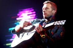 "Chris Martin dropped Coldplay's New Song ""Everglow"" via Apple Music Radio Beat 1 / ColdplayのChris MartinがApple Music Radio 1に出演し、新曲「Everglow」を公開した。"