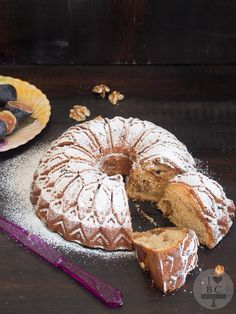 Figs and caramelized walnuts Bundt cake #BundtBakers | I Love Bundt Cakes