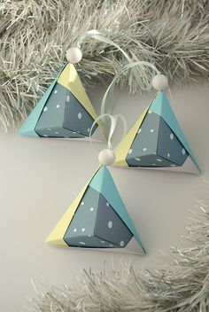 Set 3 Christmas ornaments - 14$ - Snow, Winter - Paper ornaments by WaveofLight.etsy.com #Origami #eco #Christmas #decorations #Modern #grey #blue