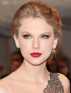 Taylor Swift Hair Styles | Latest Hairs for Girl