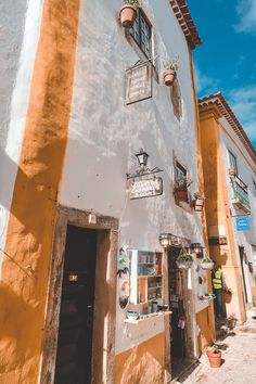 Things to do in Obidos - Portugal Portugal paisagens Доступ к сайту для информации Places In Portugal, Visit Portugal, Most Romantic Places, Beautiful Places, Stuff To Do, Things To Do, Medieval Castle, Lisbon, Wonders Of The World