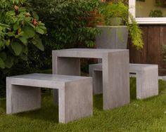 Tisch und Bank aus Beton