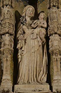 Imatges de Maria: Santa Maria de Castelló d'Empúries
