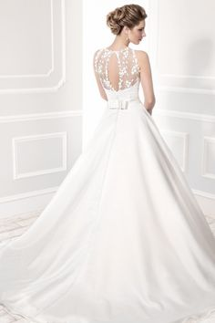 Ellis Bridals 19032 (back view) available at Limelight Occasions. #ellisbridals #limelightoccasions #ballgown #classy #lacetop #bridal #weddingdress #wedding