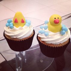 Baby shower rubber duck cupcakes by Stealing Petit Fours