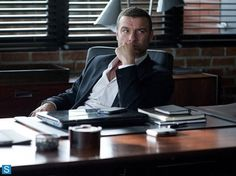 'Ray Donovan' Season 2 News: New Sneak Preview VIDEO Reveals Ray Swamped With Client Cases? : TV/Reality TV : ENSTARZ