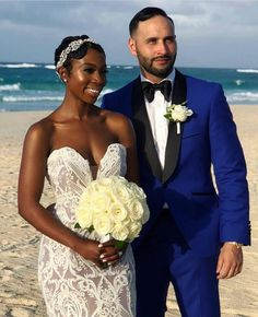 Absolutely gorgeous interracial couple at their beach wedding celebration Mixed Couples, Couples In Love, Black Bride, Interracial Couples, Interracial Wedding Ideas, Short Wedding Hair, Beautiful Couple, Beautiful Bride, Wedding Couples