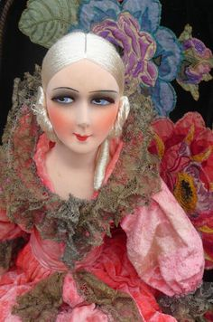 RARE ANTIQUE FRENCH BOUDOIR DOLL.PARIS 1920 SILK FASHION DOLL C.1920