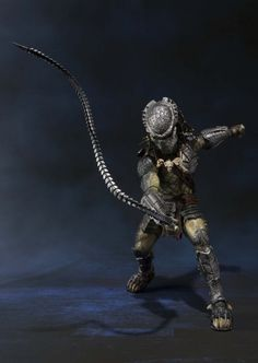 Scary predator figure http://luckyclever.com/bandai-tamashii-nations-s-h-monsterarts-predator-wolf-action-figure/