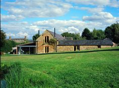 This Grade II-listed stone barn in south Warwickshire was designed by architect Ben Parsons Log Home Plans, Barn Plans, Metal Building Homes, Building A House, Church Conversions, Garage Apartment Plans, Contemporary Barn, Converted Barn, Stone Barns