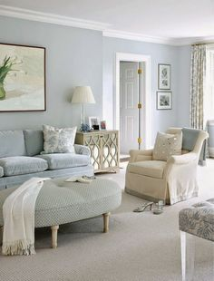 Blue Living Room Decor - What colors go well with sky blue? Blue Living Room Decor - Is GREY still in for # bluelivingroomdecor # roomdecor # diningroomdecorideas Monochromatic Room, Monochrome, House Of Turquoise, Turquoise Room, Home And Deco, Lounges, Home And Living, Cozy Living, Simple Living