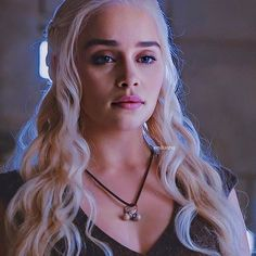 Erin Moriarty, Emilia Clarke Daenerys Targaryen, Fantasy Art Women, Instagram Girls, Instagram Makeup, Mother Of Dragons, Khaleesi, Badass Women, Gal Gadot