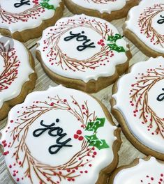23 Clever DIY Christmas Decoration Ideas By Crafty Panda Fancy Cookies, Iced Cookies, Cute Cookies, Royal Icing Cookies, Cupcake Cookies, Cookies Et Biscuits, Cupcakes, Christmas Sugar Cookies, Christmas Sweets