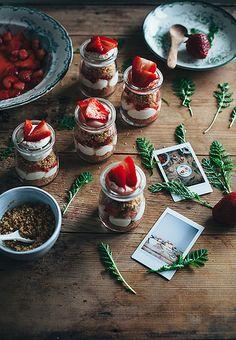 Strawberry cheesecake jars / Call me cupcake, via Flickr
