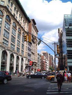 "#  MANHATTAN  #         Bairro 'SoHo' > ""SOuth of HOuston"".                       New York City, USA."