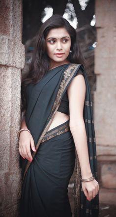 Glamorous Indian Girls in Saree- Hot Photo Gallery! Beautiful Girl Indian, Beautiful Girl Image, Most Beautiful Indian Actress, Beautiful Saree, Beauty Full Girl, Beauty Women, Hot Girls, Saree Models, Thing 1