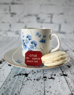 Fall is the perfect time for a hot cup of chai tea... and chai tea macarons! Learn how to make these foolproof macarons with this easy recipe!
