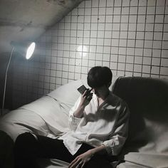 Find images and videos about asian, guy and ulzzang on We Heart It - the app to get lost in what you love. Korean Boys Ulzzang, Cute Korean Boys, Ulzzang Couple, Ulzzang Boy, Asian Boys, Cute Boys, Korean Girl, Aesthetic Boy, Korean Aesthetic