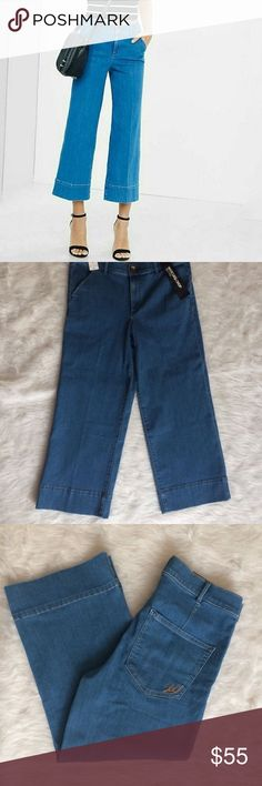 Express high rise wide leg crop jeans Express high rise wide leg crop jeans. Zipper and button closure. High rise. Wide leg. Very stretchy. True to size. Express Jeans