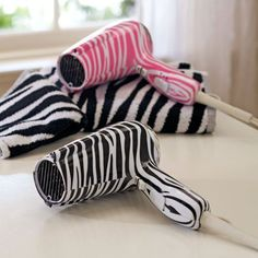zebra print...awesome!! http://www.myselfjewellery.com/store/p200/2014_Fashion_Evening_bags_for_women_party_accessories_vintage_bag_wholesale_Pearl_evening_clutch_bags.html