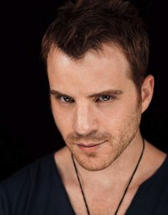 Holy Hell!  His sexiness is just down right sinful!!!  Rob Kazinsky- warlow!! Mmmmmmm!!!