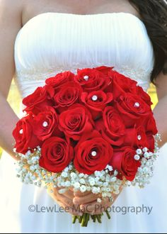 Mobile, AL - LewLee MaC Photography - Rose Bud Flowers & Gifts - Weddings - Red bridal bouquet