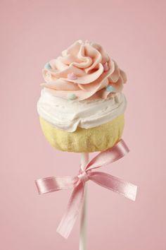 Peachy Peach Topped Cake Pop