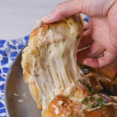 Brie Stuffed Garlic Bread A garlic bread so stuffed with cheese you won't be able to stop eating it. Garlic Bread, Garlic Butter, Garlic Cheese, Appetizer Recipes, Appetizers, Appetizer Dinner, Appetizer Ideas, Enjoy Your Meal, Healthy Snacks