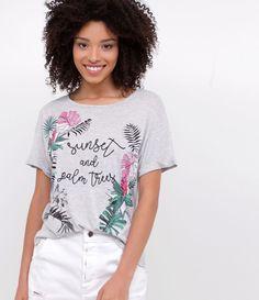 camiseta com estampa tropical