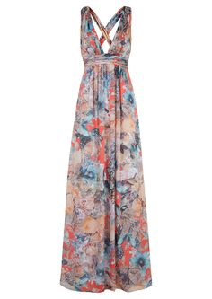 db32f6350004 Floral maxi dresses are perfect for beach weddings.