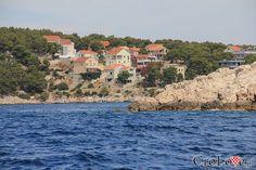 Wyspa Brač || #Croatia #Chorwacja #Hrvatska #Island #CroatianIslands #Brac #Omis || http://crolove.pl/rejs-statkiem-wokol-wyspy-brac