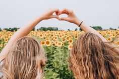 Only 1 in every 12 friendship stands the test of time. Celebrate your friendship with these heartening best friends quotes. Making Sushi Rolls, National Friendship Day, Friendship Pictures, Friendship Quotes, Toxic Friendships, Long Distance Love, Strong Nails, Sunflower Fields, Sunflower Pics