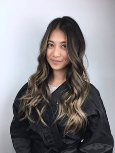 Balayage / Brown Hair / Dark Hair / Blonde Highlights / Long Hair / Fall Hair Ideas / Women's Hair Brunette Hair Color With Highlights, Brown Blonde Hair, Hair Highlights, Brunette Color, Balayage Hair, Asian Balayage, Fall Hair, Hair Looks, Hair Inspiration