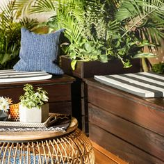 How to Build an Outdoor Storage Bench (DIY) | Family Handyman Patio Storage Bench, Pool Storage, Diy Bench, Outdoor Storage, Diy Storage, Diy Outdoor Table, Diy Outdoor Furniture, Pallet Furniture, Garden Furniture