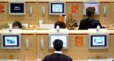 No sobra que hagas un cambio en tus contraseñas, al momento de regresar de tu viaje.  Consejos para viajeros que usan las conexiones públicas http://www.ngenespanol.com/traveler/tips/15/07/7/consejos-para-viajerosqueusanlasconexionespublicas.html