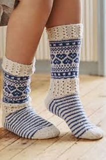 Knit up these detailed patterns and lace socks in Novita 7 Veljestä. This yarn contains Wool and Polyamide. The softness of the yarn comes from the high-quality wool, the strength from the polyamide used. Lace Socks, Crochet Socks, Wool Socks, Knitting Socks, Hand Knitting, Knit Crochet, Crochet Style, Irish Crochet, Knitting Blogs