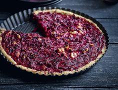 Fuldkornstærte med rødbede og feta Beetroot, Galette, Feta, Foodies, Buffet, Good Food, Healthy Recipes, Healthy Food, Vegetarian