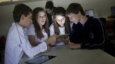 Uso de Ipad em escola particular de São Paulo   em suporte a atividades curriculares    Veja (revista   20110810)