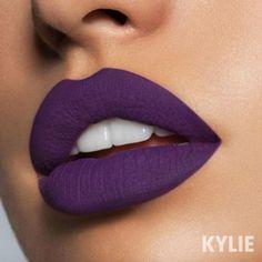 Kylie Jenner presenta las sombras que usarás este otoño